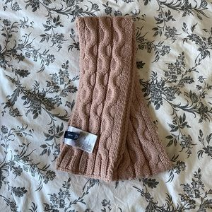 Gap Kids Dusty Rose Knitted Scarf.